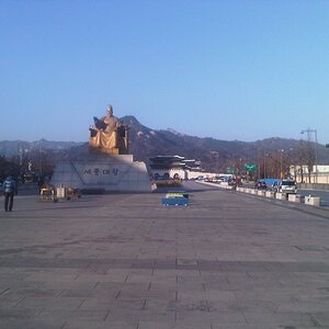 Looking towards the statue of the greatest ruler in Korean history.